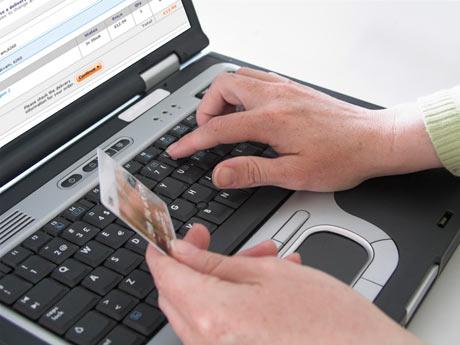 Usar cartão de crédito em compras online